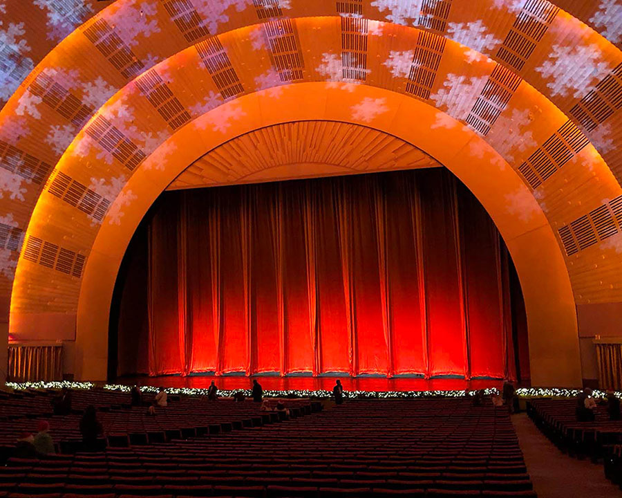 Salle du radio city music hall lors du spectacle Radio City Christmas Spectacular