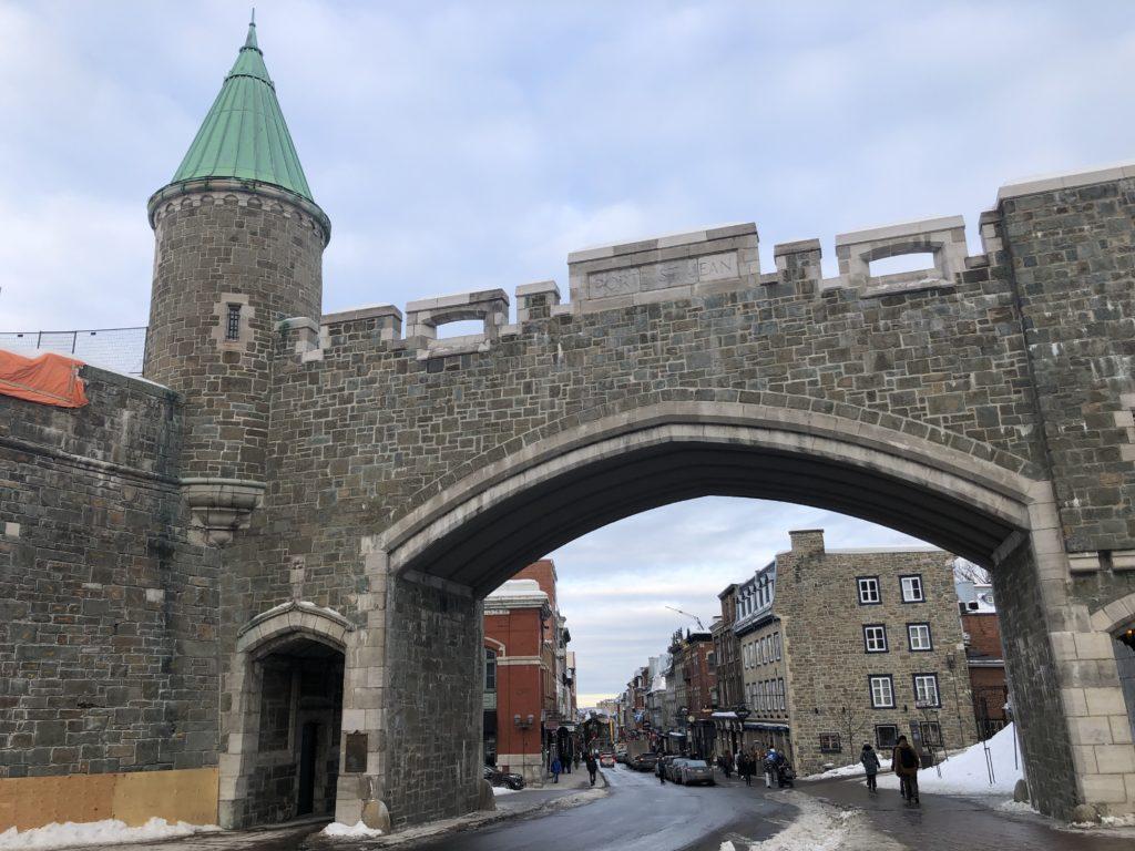 Porte St-Jean dans le Vieux Québec