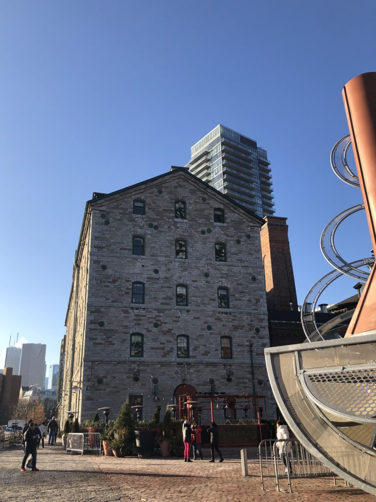 Stone Mill Distillery District à Toronto