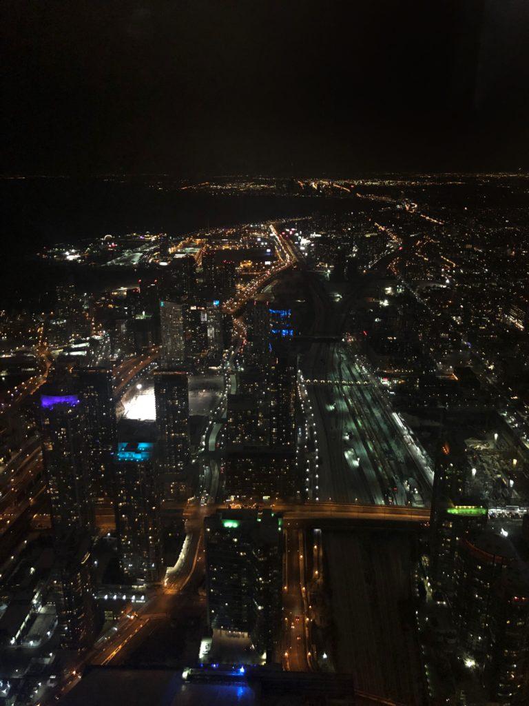 Vue depuis l'observatoire de la CN Tower à Toronto