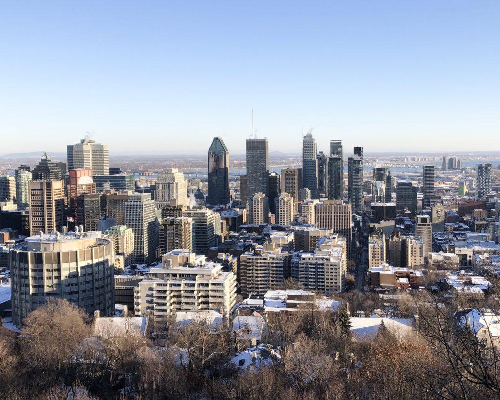 Vue depuis le belvédère Kondiaronk en haut du Mont-Royal à Montréal