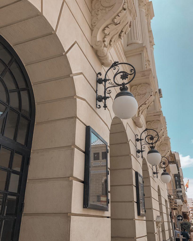Grand theatre Huelva - façade