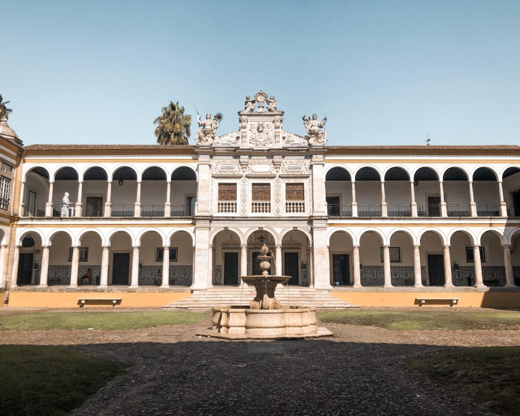 Visiter Evora en Alentejo - Université d'Évora