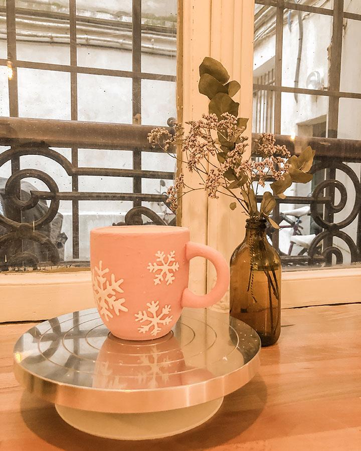 Biscuit : atelier de peinture sur céramique à Paris